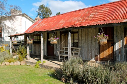 Home page rosebud and bell 39 s heritagecottages for Med cottages